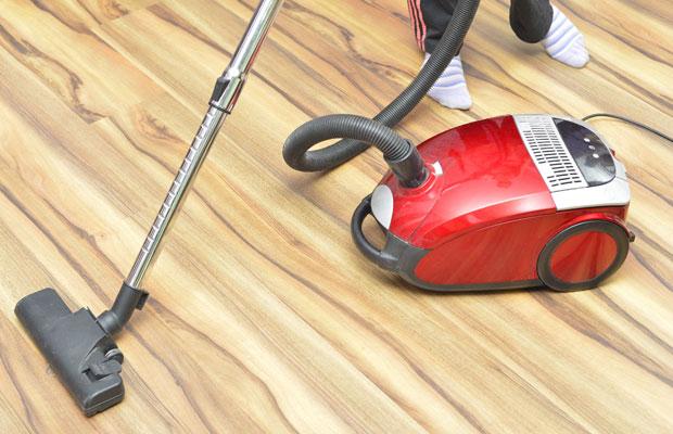 掃除機で節電効果が高いのはサイクロン式?電気代を節約するための選び方と使い方