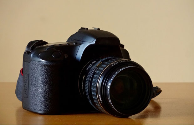 カメラマンも持ち込め!写真撮影・ビデオ撮影費用を安く抑える方法